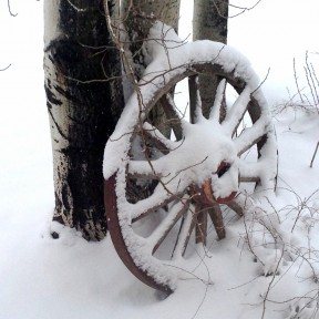 Wagon Wheel for Christmas.png